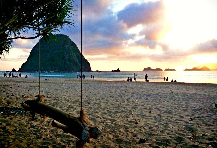 Bali – Ijen Crater – Red Island Sunset – Papuma Sunrise