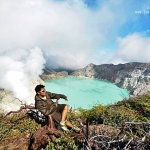 Ijen Crater at the bottom