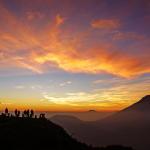 Natural-Beauty-Sunrise-in-Sikunir-Dieng-Central-Java-Amazing-Beautiful-Natural-Scenery